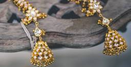 Earrings in Chandigarh cover pic