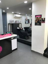 Store Images 3 of Lakme Salon